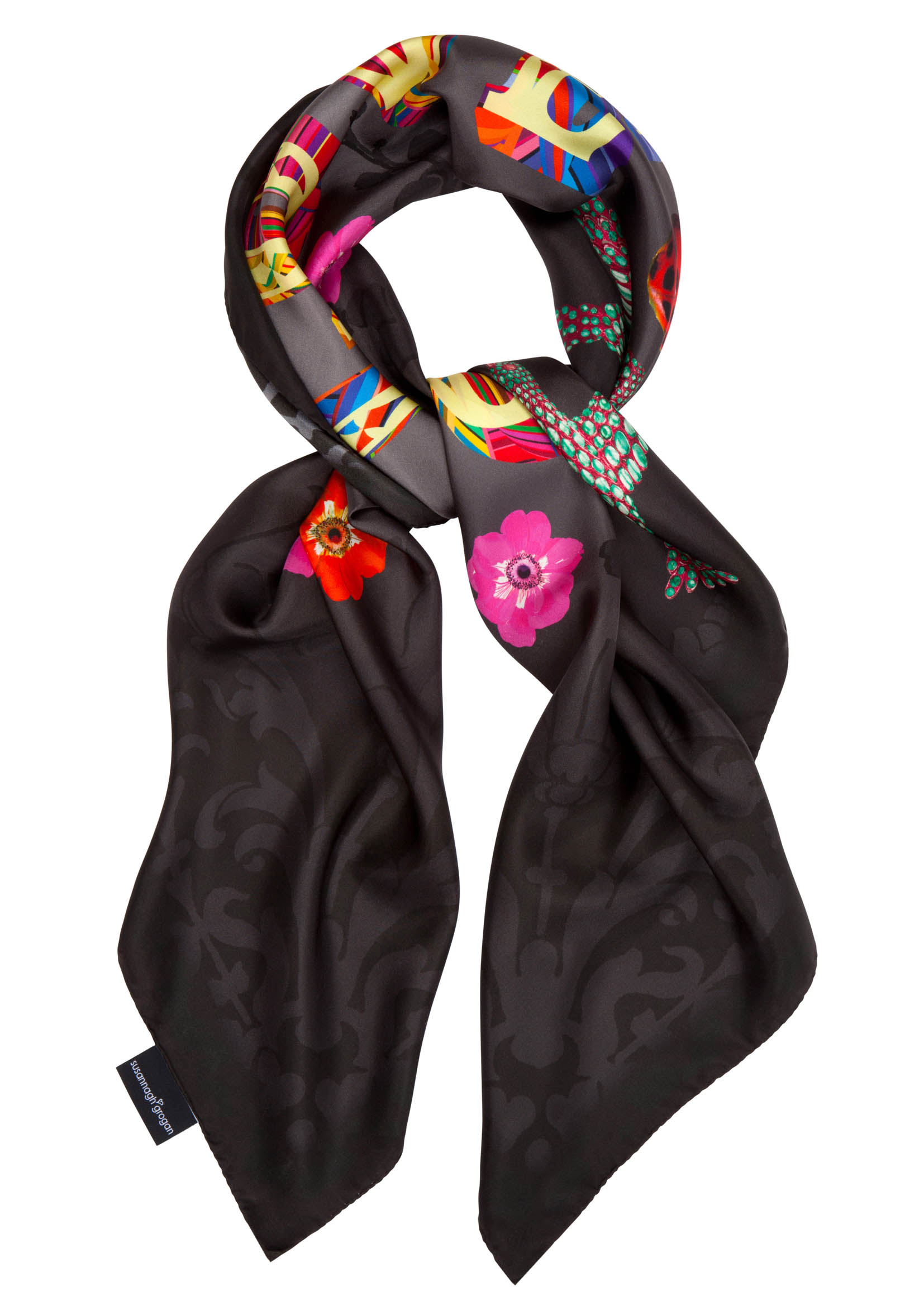 Love XL Scarf | It's back in black (& red)