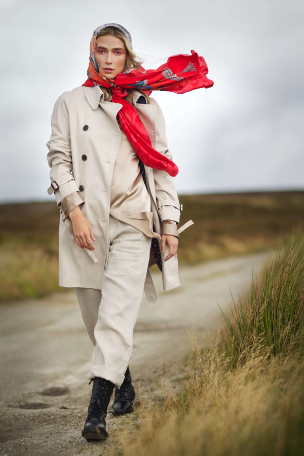 Love XL Red Scarf Susannagh Grogan Grá